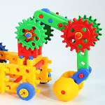 16 Outdoor STEM Toys for Kids post image